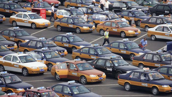 Pékin va remplacer tous ses taxis à essence par des voitures électriques