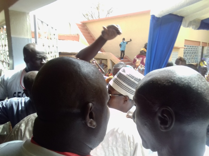 GUINGUINÉO - Cheikh Bass reçu en grande pompe par la famille d'El Hadj Cheikh Touré