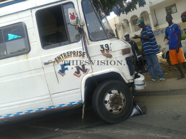 ACCIDENT MORTEL À MBACKÉ -  Un Ndiaga-Ndiaye culbute et tue un berger