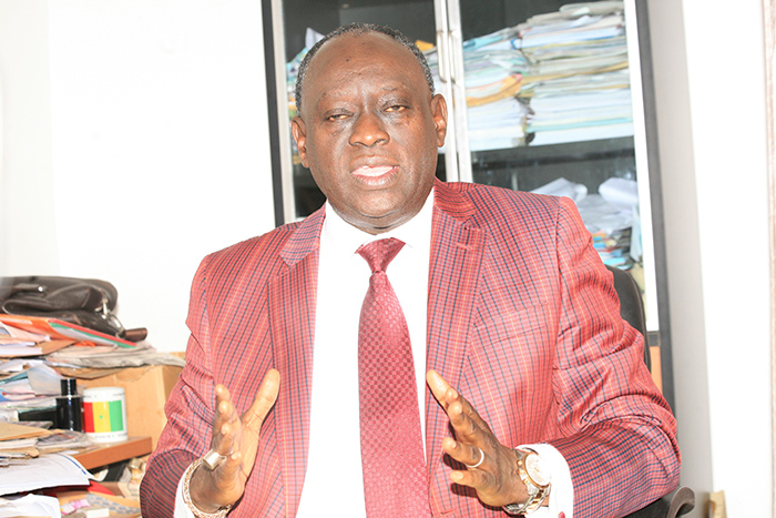 Me El Hadji Diouf depuis son bureau à Paris :   « Le procureur se fait porte-parole de l'Apr alors qu'il est magistrat. (…) L'image de notre pays serait ternie, calomniée et dénigrée, si le Maire de Dakar est envoyé en prison ».