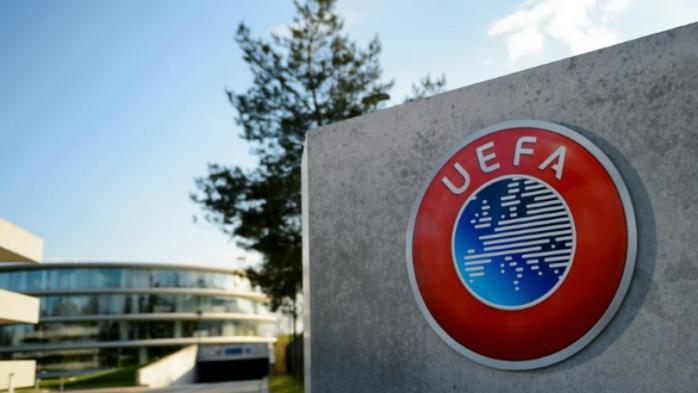 ARBITRAGE BARÇA-PSG : l'UEFA répond