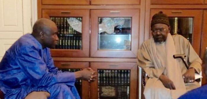 CONDOLÉANCES : Aly Ngouille Ndiaye reçu par le Khalife Général des Tidianes Serigne Abdoul Aziz Sy Al Amine et son porte-parole Serigne Mbaye Sy Mansour