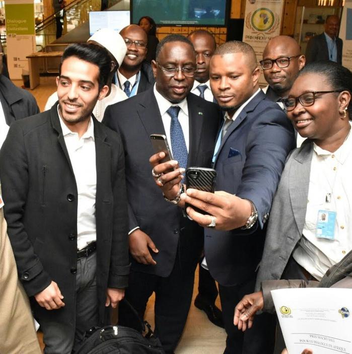 GENÈVE : Quand le président Macky Sall et parrain de la cérémonie se tape des selfies avec la foule