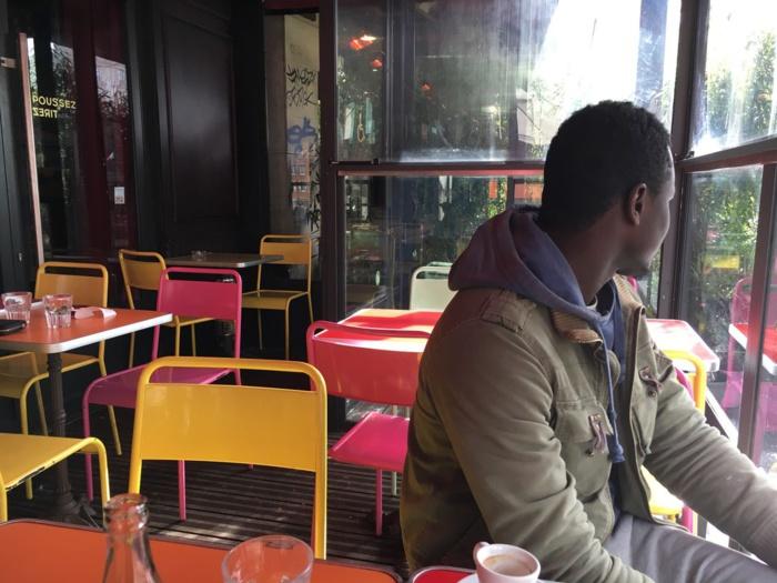De la cale d'un bateau à la tour Eiffel : le parcours d'Omar, réfugié gambien en France