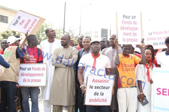 Images : La grande marche de la presse pour de meilleures conditions de travail
