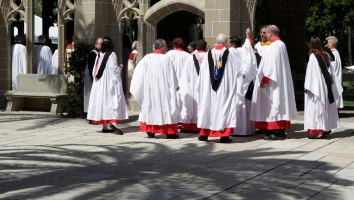 ETATS-UNIS : Donald Trump signe un décret qui permet aux églises de faire de la politique