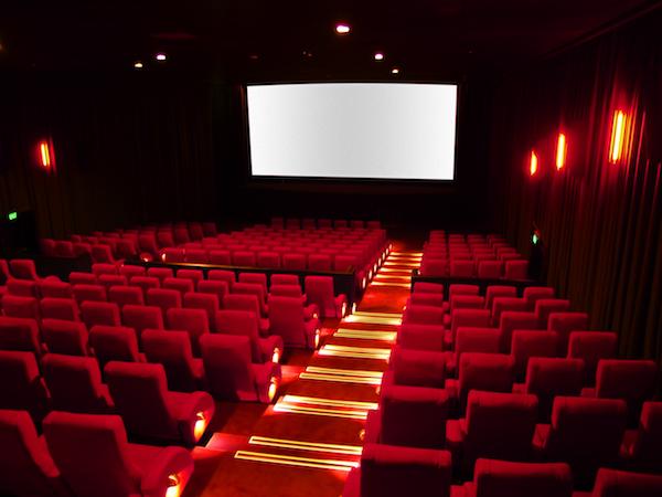 Une salle de cinéma et de spectacles à Dakar : Macky Sall inaugure le joyau de Bolloré