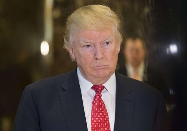 ETATS-UNIS : Donald Trump met la pression sur l'ex-chef du FBI James Comey