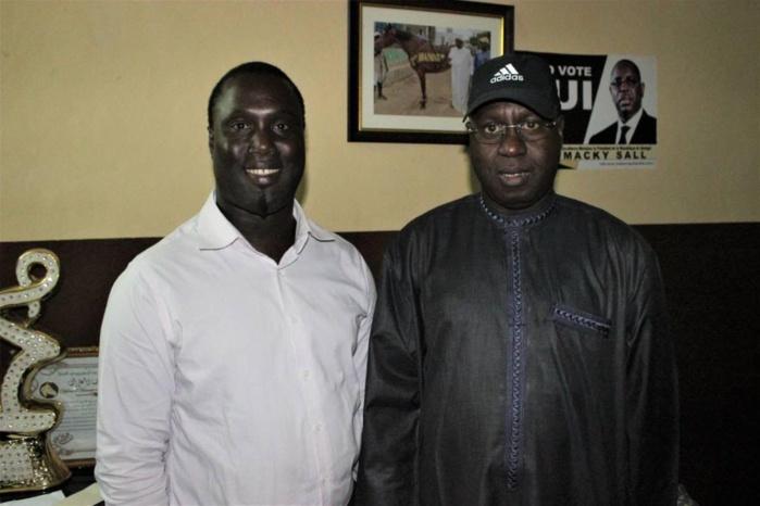 """Ralliement de grande envergure à Mbao : Abdou Karim SALL fait voler en éclats """"Bëss Dou Ñakk"""" de Serigne Mansour SY Djamil."""