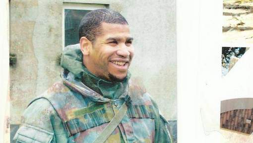 Belgique : Deux policiers citent directement Hicham Diop devant le tribunal