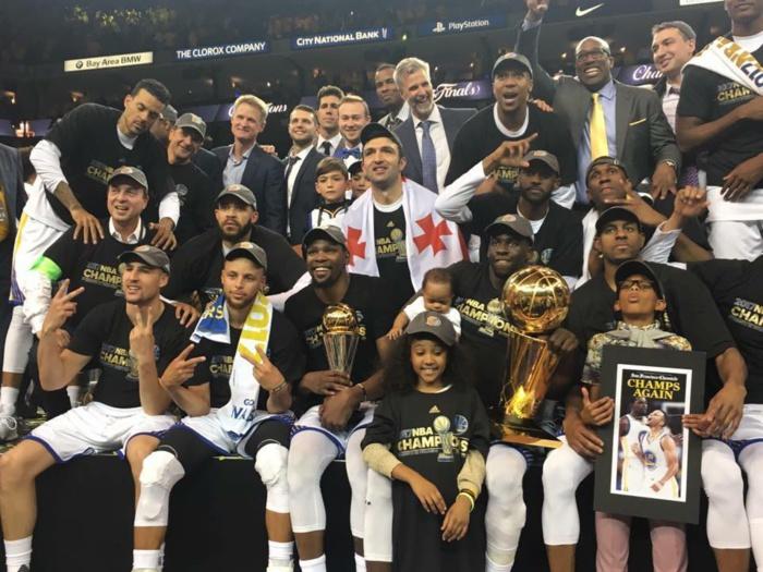 Menés par un énorme Kevin Durant, les Golden State Warriors remportent le titre NBA 2017 !