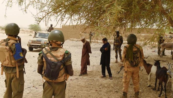 MALI : Au moins 5 soldats tués dans l'attaque d'un camp militaire dans le nord