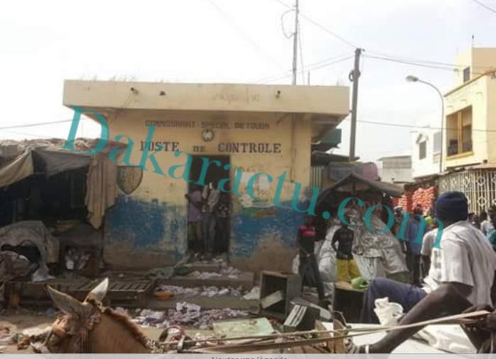 URGENT - Le mini-poste de police brûlé... Les commerçants parlent d'un mort ... Les autorités démentent