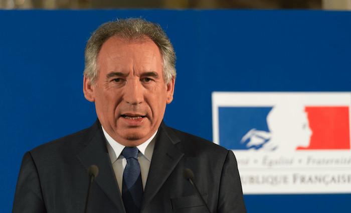 Sarnez quitte le gouvernement, présidera le groupe MoDem à l'Assemblée