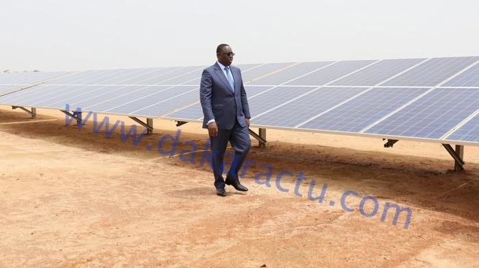 Photos : Inauguration par le président Macky Sall de la centrale solaire de Santhiou Mékhé