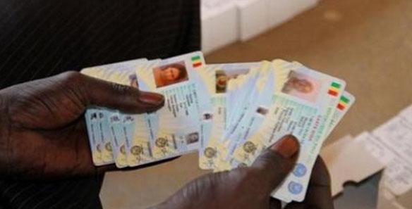 Lenteur notée dans les opérations de retrait des cartes d'identité biométriques à Louga