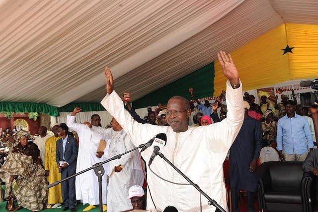 LE PREMIER MINISTRE RAILLE ABDOULAYE WADE : « Je lui demande de chercher une chaise pliante, un chapelet et un exemplaire du Coran pour se consacrer à Dieu »