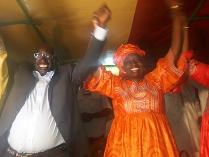 """Fin de campagne à Kaolack : Retrouvailles entre Mimi Touré et ses camarades """"ennemis"""" de l'APR."""