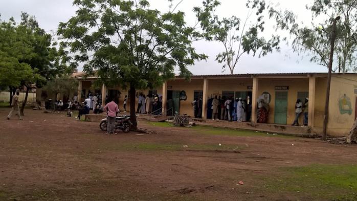 Législatives 2017 / TAMBACOUNDA : Les 225.404 électeurs attendus dans les urnes ont commencé à voter avec un peu de retard.