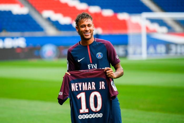 Ligue 1 : Neymar présenté au Parc des Princes