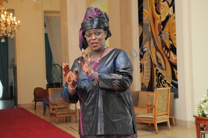 MARIÈME FAYE SALL : Quand la première Dame appelle en direct à la télé pour prendre en charge des malades