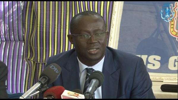 Football: Me Augustin Senghor rempile pour un troisième mandat