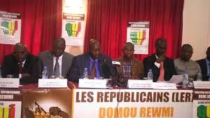 POLITIQUE - L'opposition a chahuté les législatives et utilise désormais des dépressifs à travers les réseaux sociaux, selon Doomi-Rewmi