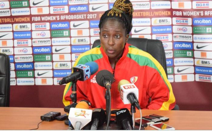 Lonlack Ramses, capitaine du Cameroun : « On a un peu craqué… Elles en voulaient plus que nous les sénégalaises »