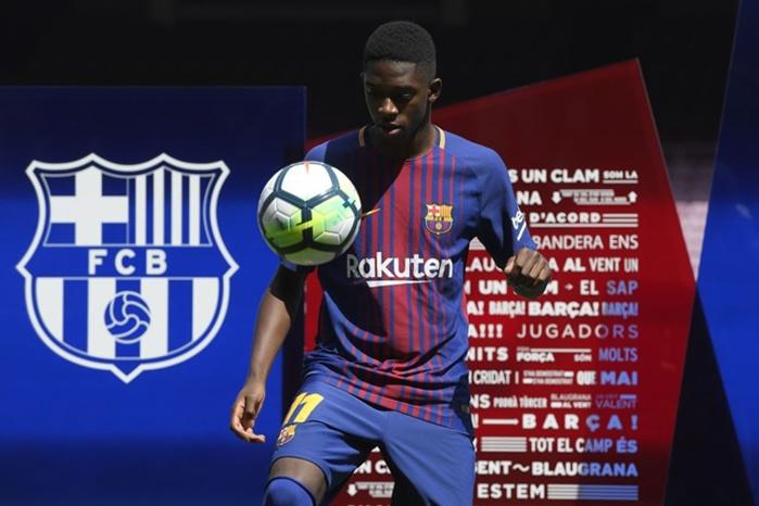 Dembélé présenté au Camp Nou devant 18.000 supporters