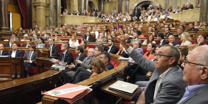 Espagne : le Parlement catalan adopte la loi prévoyant un référendum d'autodétermination