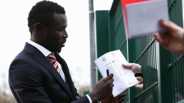 Stoke City : Mame Biram Diouf prolonge de trois ans
