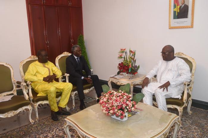 1ere édition du « Prix Macky Sall pour le Dialogue en Afrique »  Le chef traditionnel et spirituel des Mossi du Burkina Fasso Moro Naba désigné