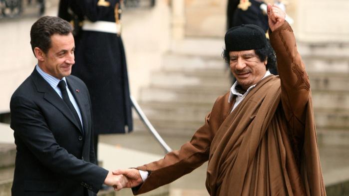 Assassinat de kadhafi y en a marre et cie portent for Jeunes portent plainte