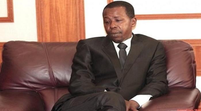 Soupçonné d'être le parrain de Assane Diouf, Cheikh Amar tombe le masque / Connexions intrigantes entre l'insulteur public et « son ami » Cheikh Gadiaga ?