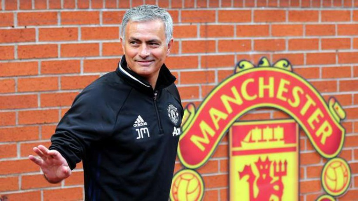 José Mourinho met la pression sur Manchester United