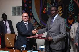 Contribution  des migrants au développement : L'AFD signe avec le Gouvernement sénégalais une convention de près de 10 milliards de FCFA