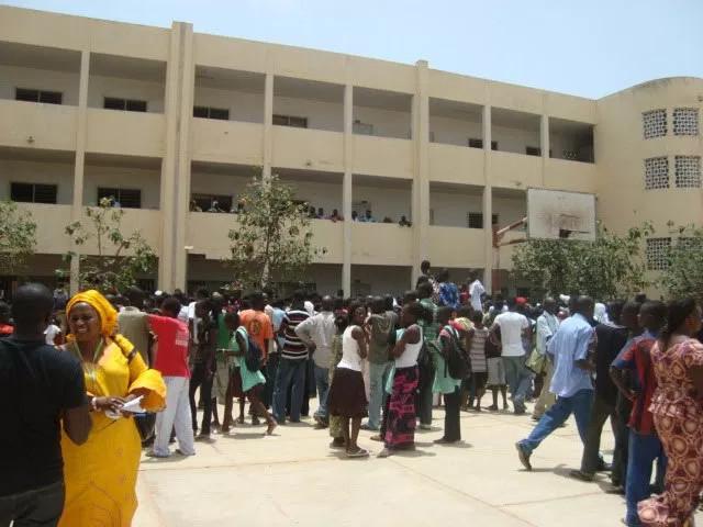 KAFFRINE : L'inspection d'académie récompense les meilleurs élèves et enseignants de la zone