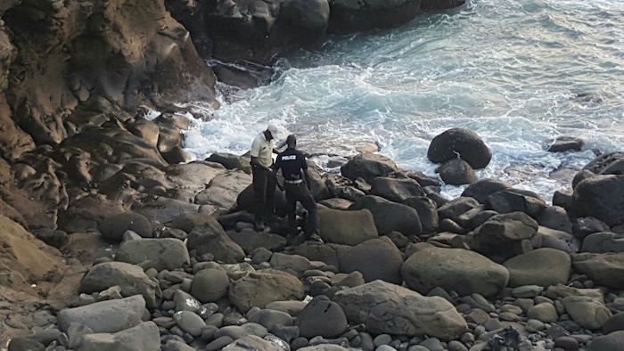 Découverte par la Police d'un obus sur la plage de la Corniche Ouest