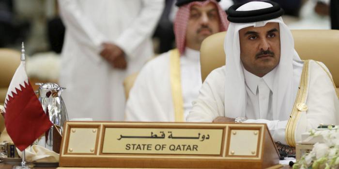 """L'émir du Qatar accuse les pays du blocus de vouloir un """"changement de régime"""""""