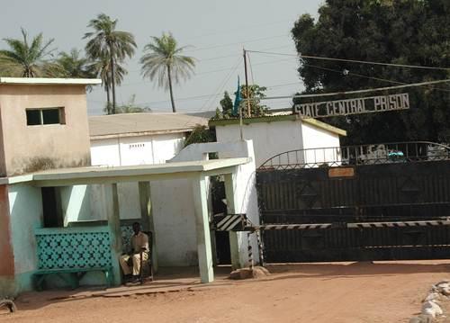Gambie : L'ancien médecin de la NIA retourne à la prison Mile 2