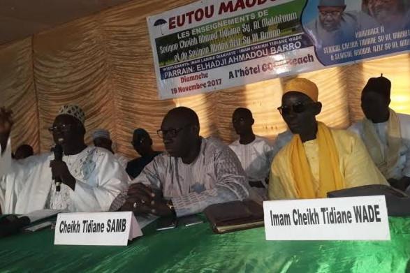 MBOUR / 5ème édition du Forum EUTOU MAODO : Serigne Cheikh Tidiane et Serigne Abdou Aziz Al Amine présents dans la salle.