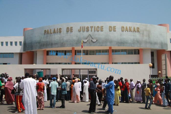 Urgent : Audition des manifestants arrêtés samedi-Rassemblement des Pro-Khalifa autour du Tribunal de Dakar