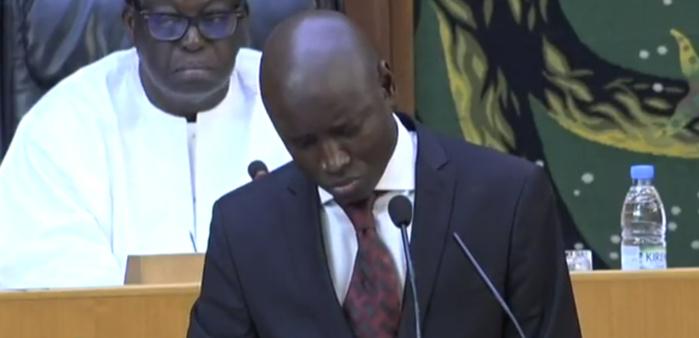 Aly Ngouille Ndiaye revient sur l'incendie de Paak Lambaye : « Pour les sapeurs-pompiers, l'essentiel était d'éviter que la station d'essence ne prenne feu »
