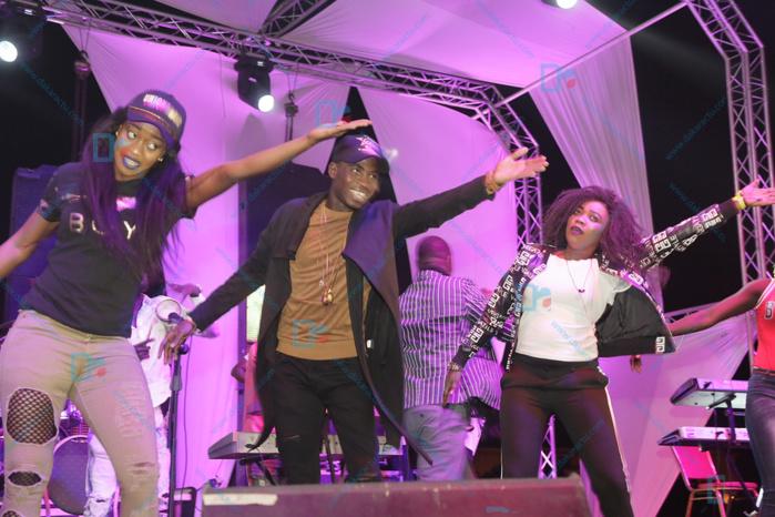 """Les images de la prestation de Sidy Diop à la soirée de """"OK AFRICA"""" au Grand Théâtre"""