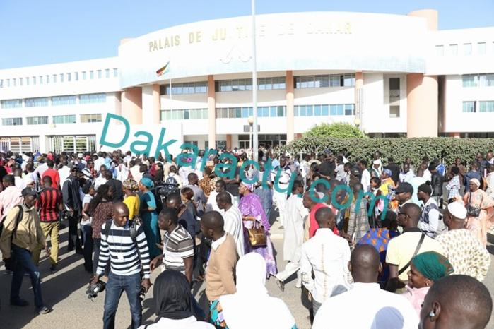 Images : Une foule au Tribunal de Dakar en soutien à Khalifa Sall