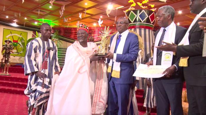 Le prix Macky Sall remis au chef des Mossi: Le Moro Naba, roi du Dialogue en Afrique