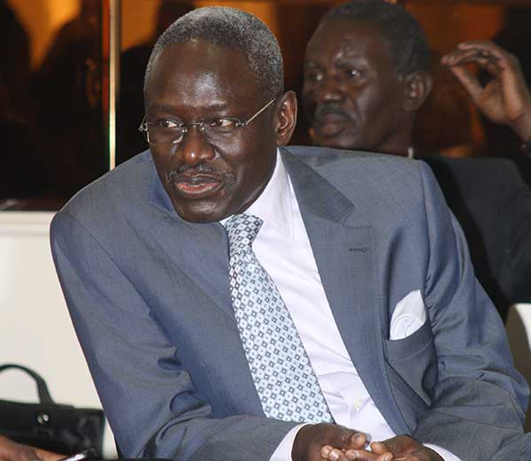 Macky Sall, un jeune président du passé?