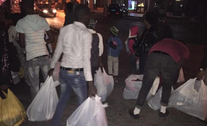 #Jesuischoqué distribue des vêtements, draps, couvertures aux SDF à Dakar