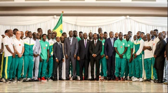 """L'Etat va accompagner les Lions pour une """"préparation optimale"""" du Mondial (Macky Sall)"""
