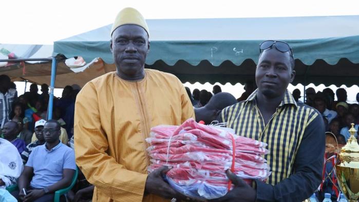 Finale des Navétanes à Orkadiéré : Abdou Karim Sall équipe toutes les Asc de la zone